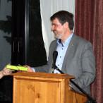 Michael Thews berichtet im Rahmen eine Fraktion vor Ort Veranstaltung über den Sachstand des Wertstoffgesetzes