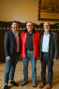 Jan Fischer mit den beiden Bürgernmeistern Stephan Unglaub und Harald Schlegel