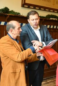 In lebhafter Duiskussion - Lars Klingbeil und Bernd Herzig