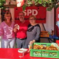 Mitglieder der Eckersdorfer SPD am Stand
