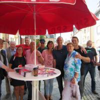 Frank Ullrich mit den Genossen / Genossinnen aus Sonneberg und Bayreuth am Infostand der SPD